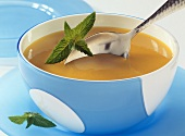 Pumpkin and pear soup with honey