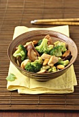 Chicken and broccoli cooked in the wok
