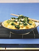Pasta with spinach and soft cheese