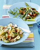 Pasta with tuna and asparagus & bread salad