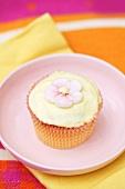 Cupcake with sugar flower
