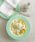 Cod in white wine sauce with chives and potatoes