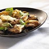 Quail with fresh coriander, pasta and croustillants
