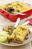 Pasta, chicken and mushroom bake