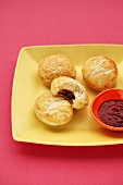 Small meat pies with dip