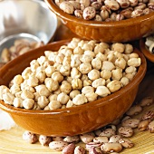 Chick-peas in brown bowl
