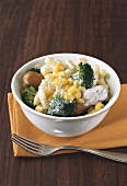 Spaetzle noodle salad with sweetcorn, broccoli & sausages