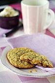 Vanilla macadamia biscuits