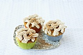 Linzer cupcakes with cinnamon topping