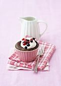 Cassis chocolate cupcake