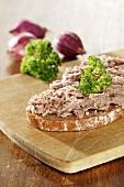 Coarse liver sausage on bread