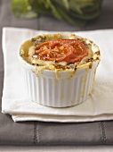 Macaroni cheese with Gorgonzola and tomato
