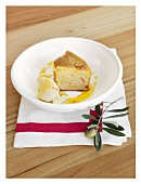 Saffron cake with olive oil served with mascarpone