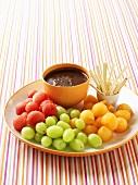 Fruit fondue with chocolate hazelnut dip