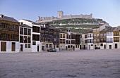 Alter Dorfplatz in Penafiel, Ribera del Duero, Spanien