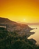 Blick auf Vietri sul Mare, Kampanien, Italien