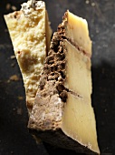 Tomme Du Berger (hard cheese made of goat's and sheep's milk)