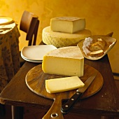 Montasio (Italian hard cheese)