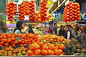 A market stall with fresh tomatoes (Mercat de St. Josep (Boqueria), Las Ramblas, Barcelona, Spain)