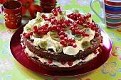 Redcurrant and gooseberry cream cake