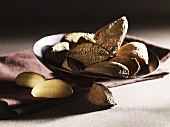 Brazil nuts, shelled and unshelled
