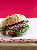Steak sandwich with spicy dressing