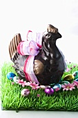 Easter hen with bow