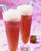 Refreshing strawberry Sekt drinks with vanilla ice cream