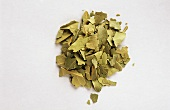 Crumbled bay leaves