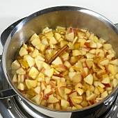 Stewing apples (filling for apple pie)