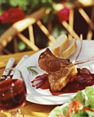 Summery dish: lamb cutlets with red wine sauce