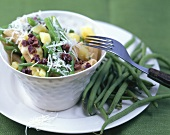 Wholemeal penne with potatoes and green beans