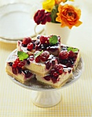 Berry cheesecake on cake stand