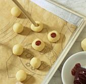 Making Husarenkrapfen (Hussar cookies)