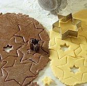 Making jelly stars (cutting out brown and white stars)