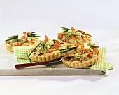 Tuna and spring onion mini-quiches