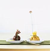 Rote Bete mit Wasabi-Aioli, Wan-Tan-Säckchen mit Lachs