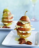 Pear with blue cheese and nut oil