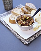 Date and apple relish