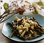 Tofu with knotted seaweed