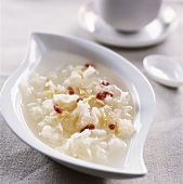 Tremella soup with wolfsberries and shellfish