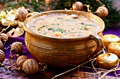 Christmassy bean soup with prunes