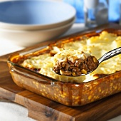 Shepherd's pie (Minced meat with mashed potato topping, England)