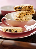 Oat biscuits with dried fruit