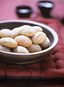 Almond and honey biscuits