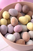 Sweet Easter eggs in a bowl