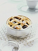 Small cherry lattice pie