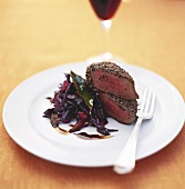 Peppered steak with red cabbage