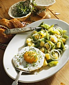 Bean salad with fried egg