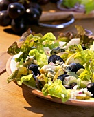 Oak leaf lettuce with grapes, pear and Roquefort